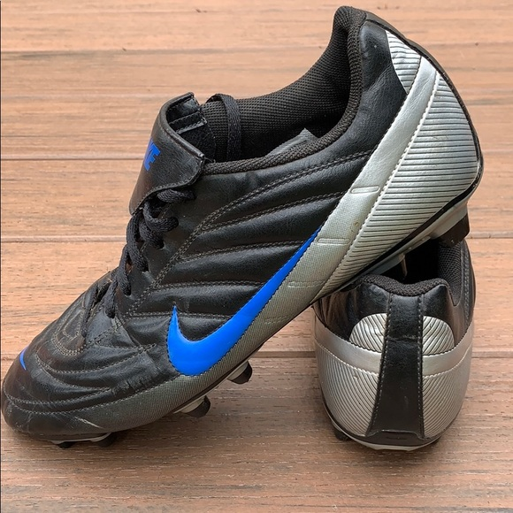 Nike Other - Mans Nike Cleats Shoes Size 12